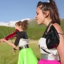 miniature pour Lindsey Stirling et Megan Nicole chantent Starships de Nicki Minaj