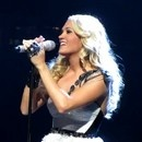 premier-baiser-carrie-underwood