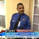 miniature pour Un agent de sûreté aéroportuaire vole un iPad
