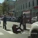 miniature pour Il simule un malaise et se fait écraser par une voiture