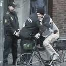 police-arrete-cyclistes-raison-bizarre