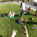 resoudre-3-rubik-cube-jonglant-avec