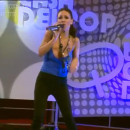 chanteuse-argentine-sein-echappe