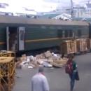 miniature pour La poste Russe décharge les colis d'un train