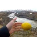 jongler-travers-islande