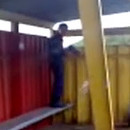 miniature pour Un russe mort de rire derrière un policier