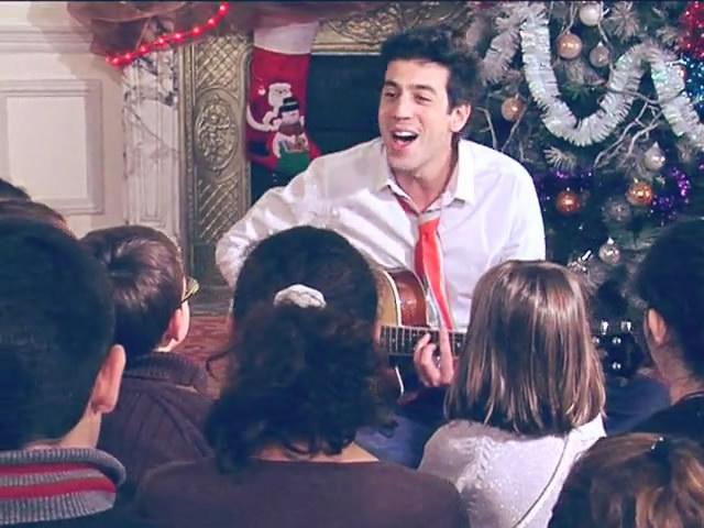 Joyeux Noel Max Boublil.Max Boublil Joyeux Noel